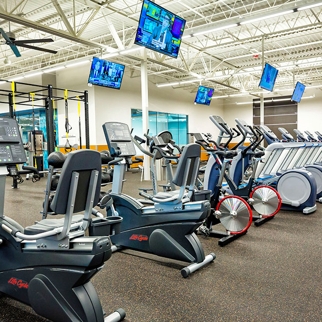 Gold S Gym Oakley Plaza Asheville Offers The Best Weight Strength Cardio Equipment In Asheville Nc