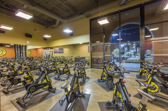 indoor spinning bikes at golds gym fullerton