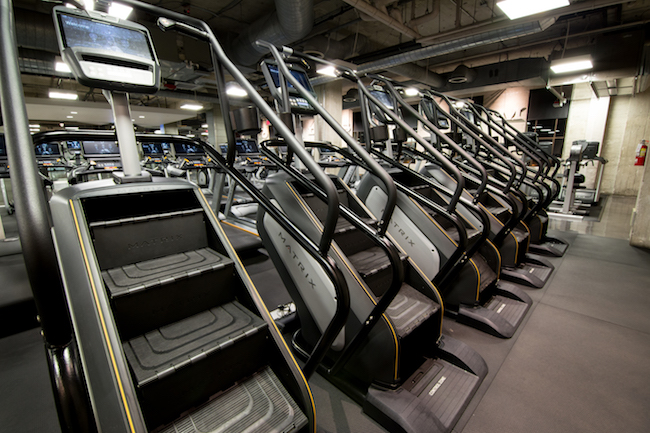 cardio equipment at golds gym hollywood