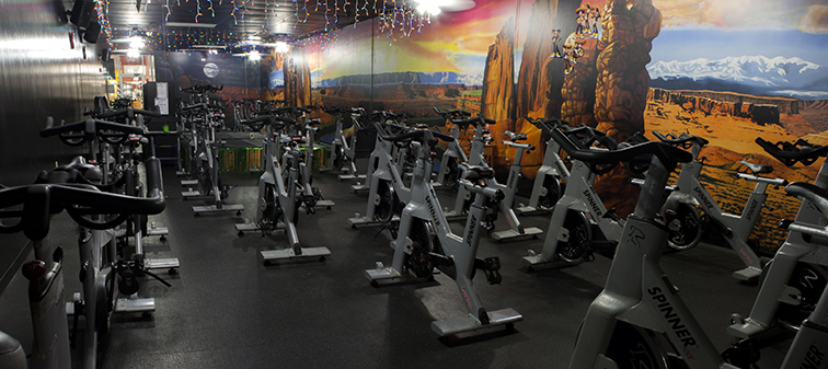 1, Golds Gym jobs available on hingcess-serp.cf Apply to Front Desk Agent, Membership Sales, Housekeeper and more!
