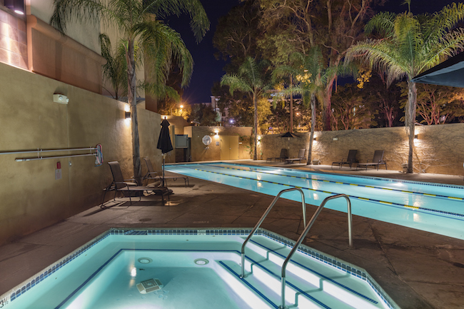 valencia gym outdoor pool and hot tub