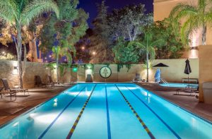 pool and hot tub at valencia gym